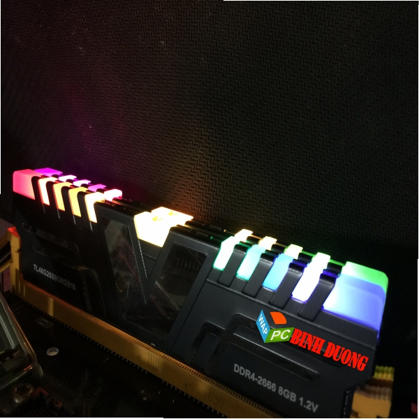 RAM V-COLOR SKYWALKER PRISM DDR4 8GB/2666 ( LED RGB )